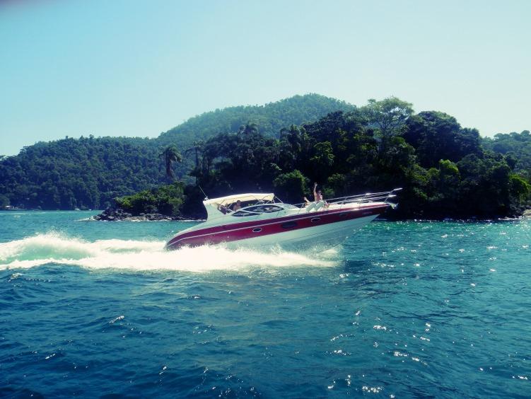 angra dos reis speed boat